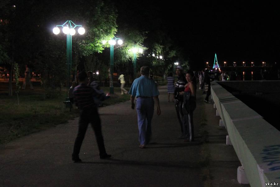Усть-Каменогорск ночная набережная