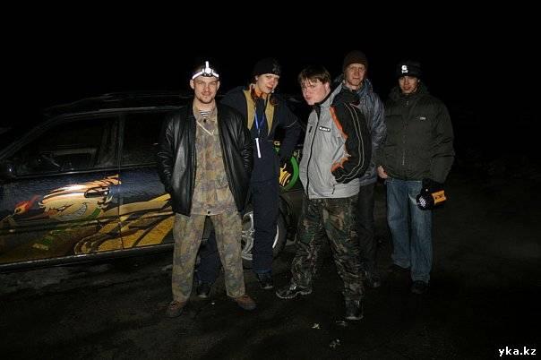 """С приходом темноты 6 ноября этого года, 7 команд поехали на поиски """"террористов"""" в Усть-Каменогорске."""