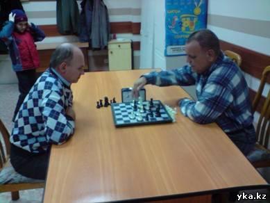 Самборский и Пятов выясняют кто сильнее ( Усть-каменогорск)