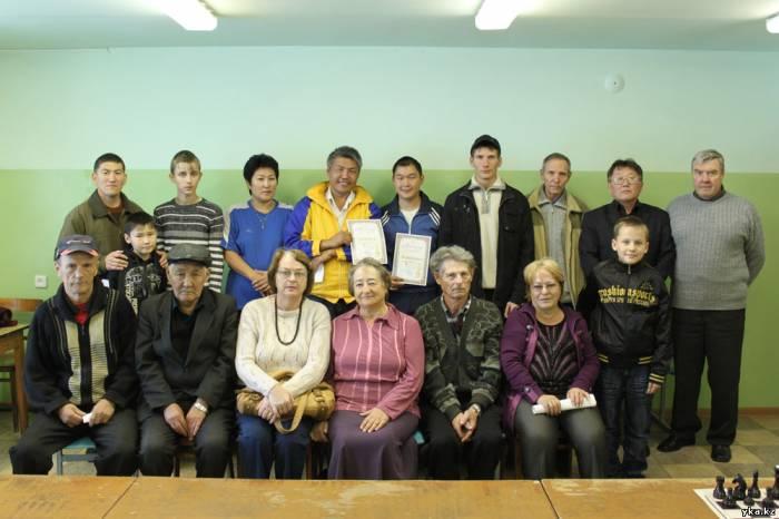 Участники шахматного турнира памяти Богдановой в Усть-Каменогорске