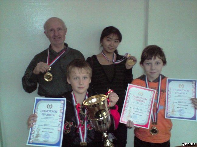 Победители шахматного турнира среди школ усть-каменогорска - школа-гимназия №11