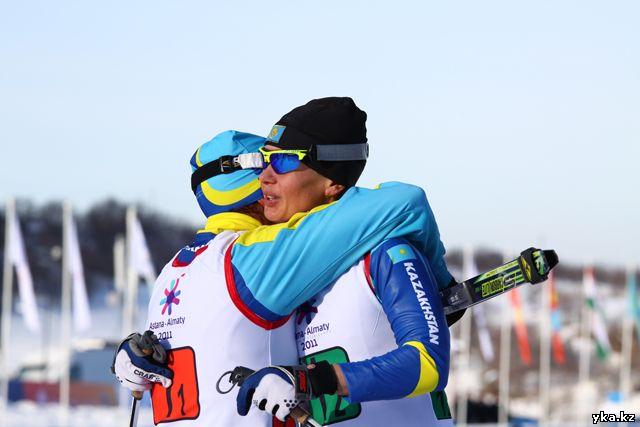 Оксаня Яцкая в связке с Еленой Коломиной так же приносят золото в копилку Казахстана в командном спринте.